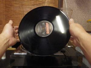 レコード盤 持ち方